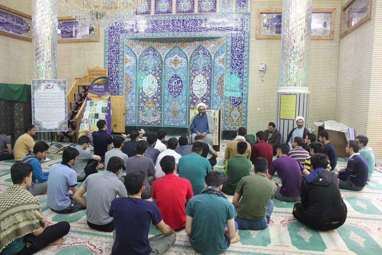 اولین روز اعتکاف دانشجویی در مسجد دانشگاه علوم پزشکی مازندران