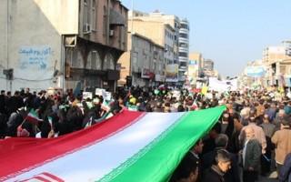 مردم قائمشهر حضوری تماشایی در راهپیمایی 22 بهمن رقم زدند