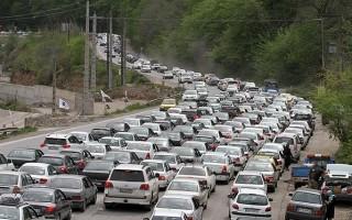 مسافران جاده شمال گرفتار در بندِ ترافیک