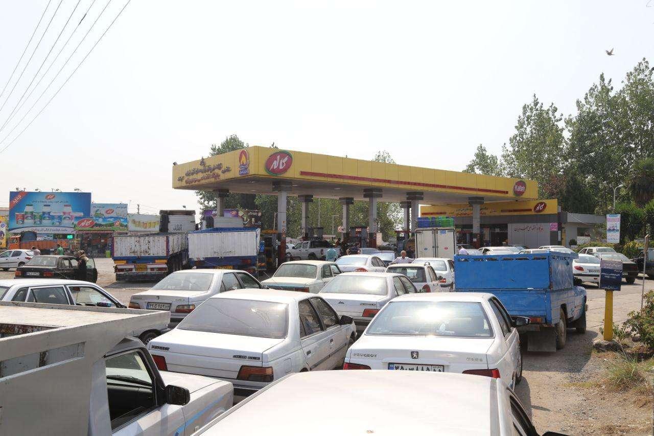 Image result for نایاب شدن بنزین در جایگاه های سوخت
