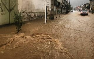 بارش سیلآسای باران در تمام شهرهای مازندران/ 7 شهرستان استان درگیر سیلاب شد