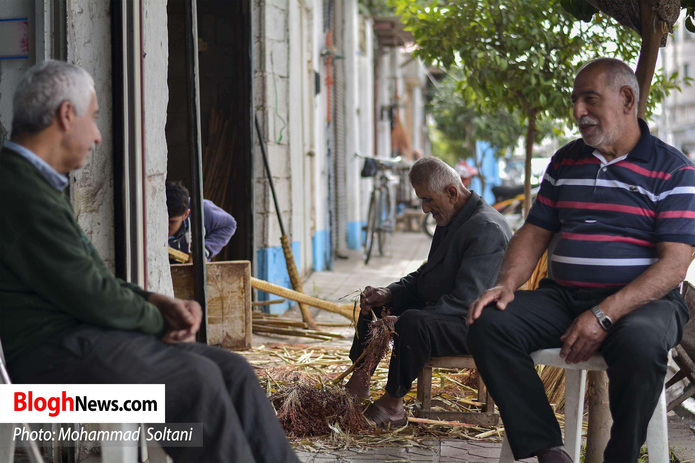 گزارش تصویری؛ جارو بافی صنایعدستی فراموششده در شهر امیرکلا مازندران