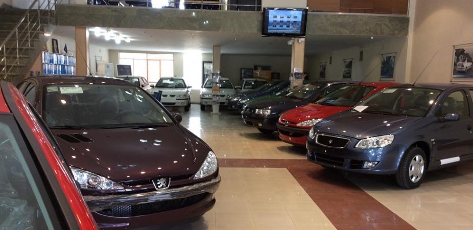 69425 380533 - بازار خودرو روی دنده گرانی