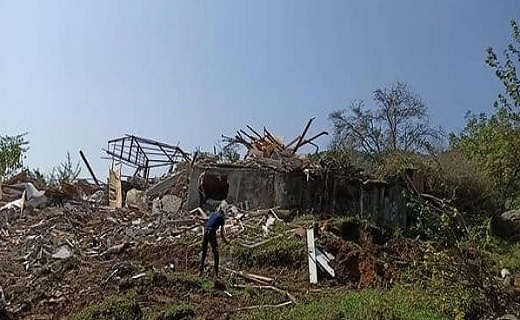 رفع تصرف اراضی ملی و تخریب ویلای غیرمجاز در رامسر