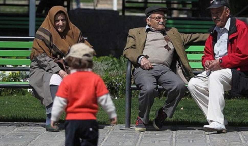 کاهش فرزندآوری زمینهای برای افزایش سالخوردگی
