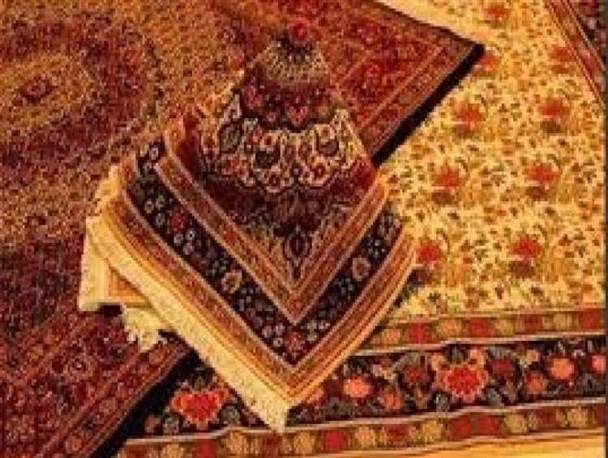 غوغای طرح و رنگ در فرش دستباف ایرانی/ تحریمها و مدیریت ضعیف زیرپای فرش ایرانی را کشید
